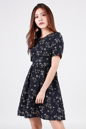 Keiryn Floral Tiered Dress In Navy