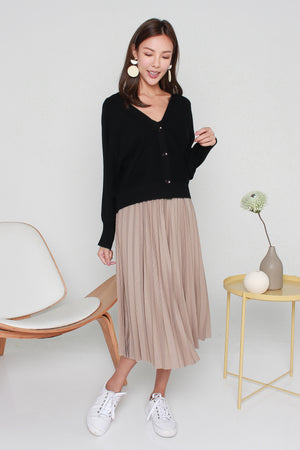 Magnolia Batwing Sleeve Cardigan In Black