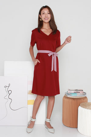 *TSA Label* Winsel V-Back Dress In Wine Pink