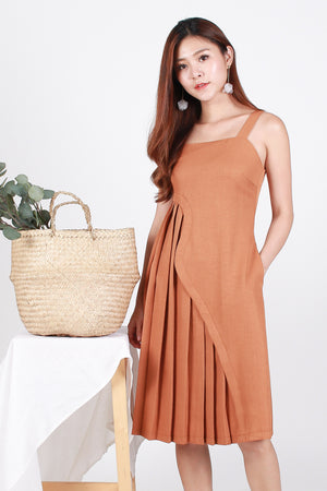 *Premium* Nyla Side-Wave Pleated Dress In Camel