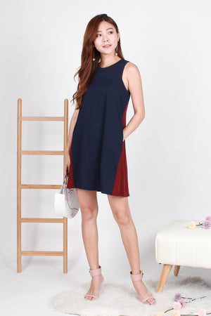 Maryl Colourblock Trapeze Dress In Navy Wine