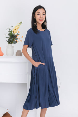 Karisa Pleated Midi Dress In Slate Blue