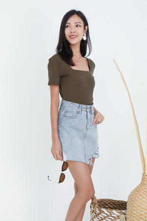 Marlo Ribbed Square Neck Top In Olive