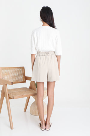 Giminie Textured Knit Top In White