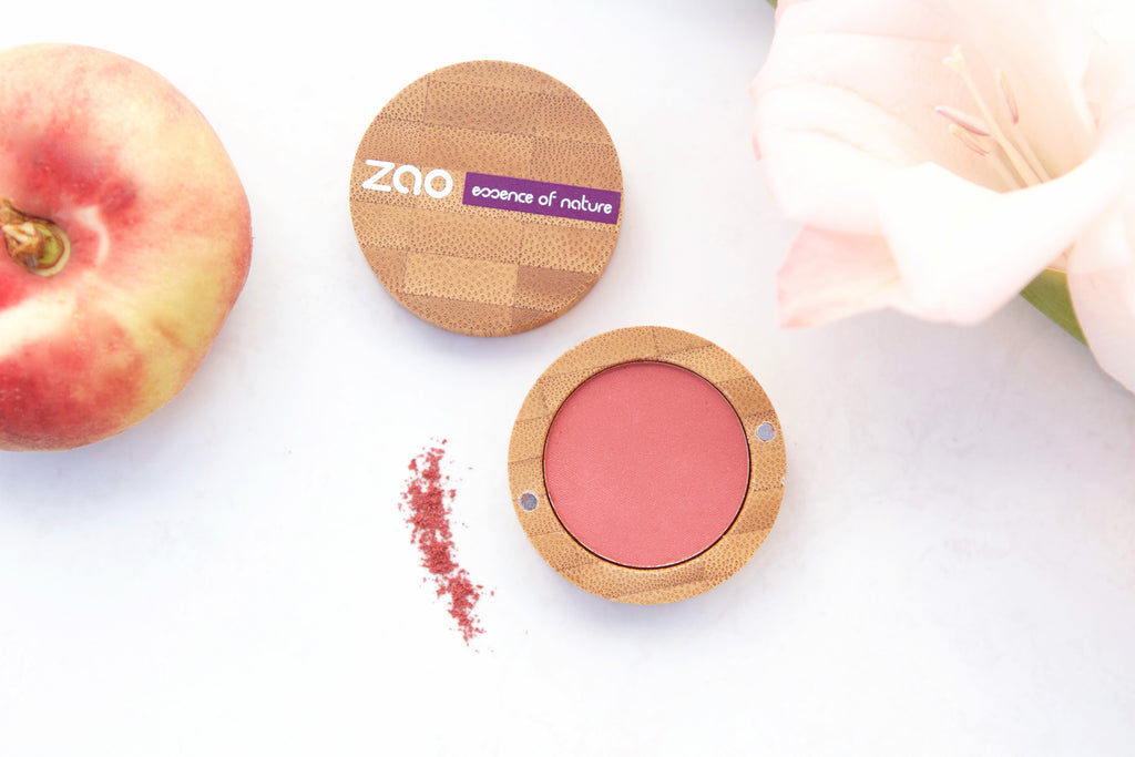 Our Favourite Peach Products For A Natural Organic Makeup Look