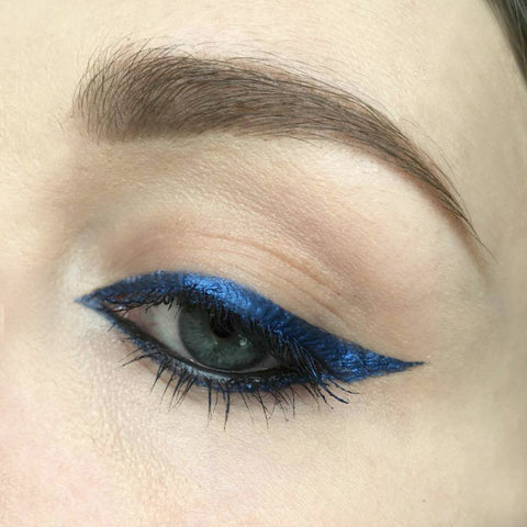 graphic-blue-liquid-liner
