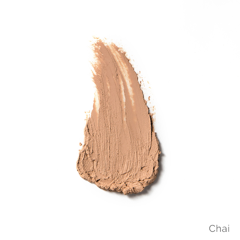 Ere-Perez-Arnica-Concealer-Chai-Swatch-UK