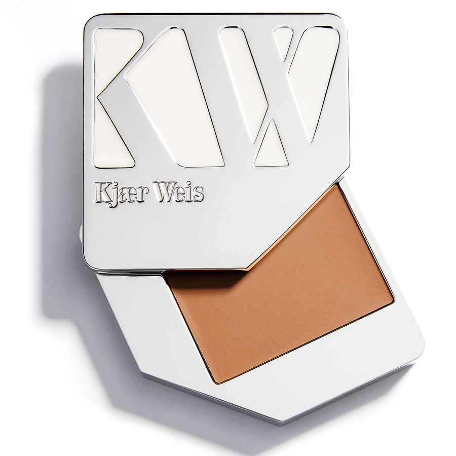 Kjaer-Weis-Cream-Foundation-Dainty-UK