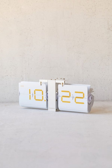 Cloudnola Flipping Out Modern Retro Flip Clock on Design Life Kids