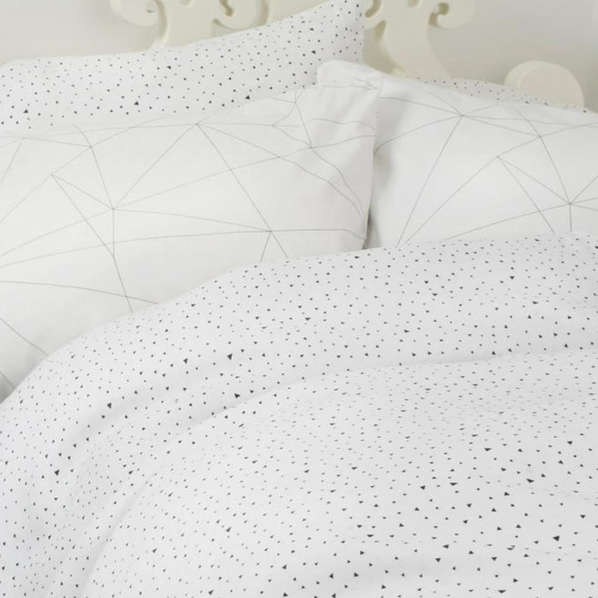 Ooh Noo GEOMETRIC WEB PILLOWCASE ON DLK