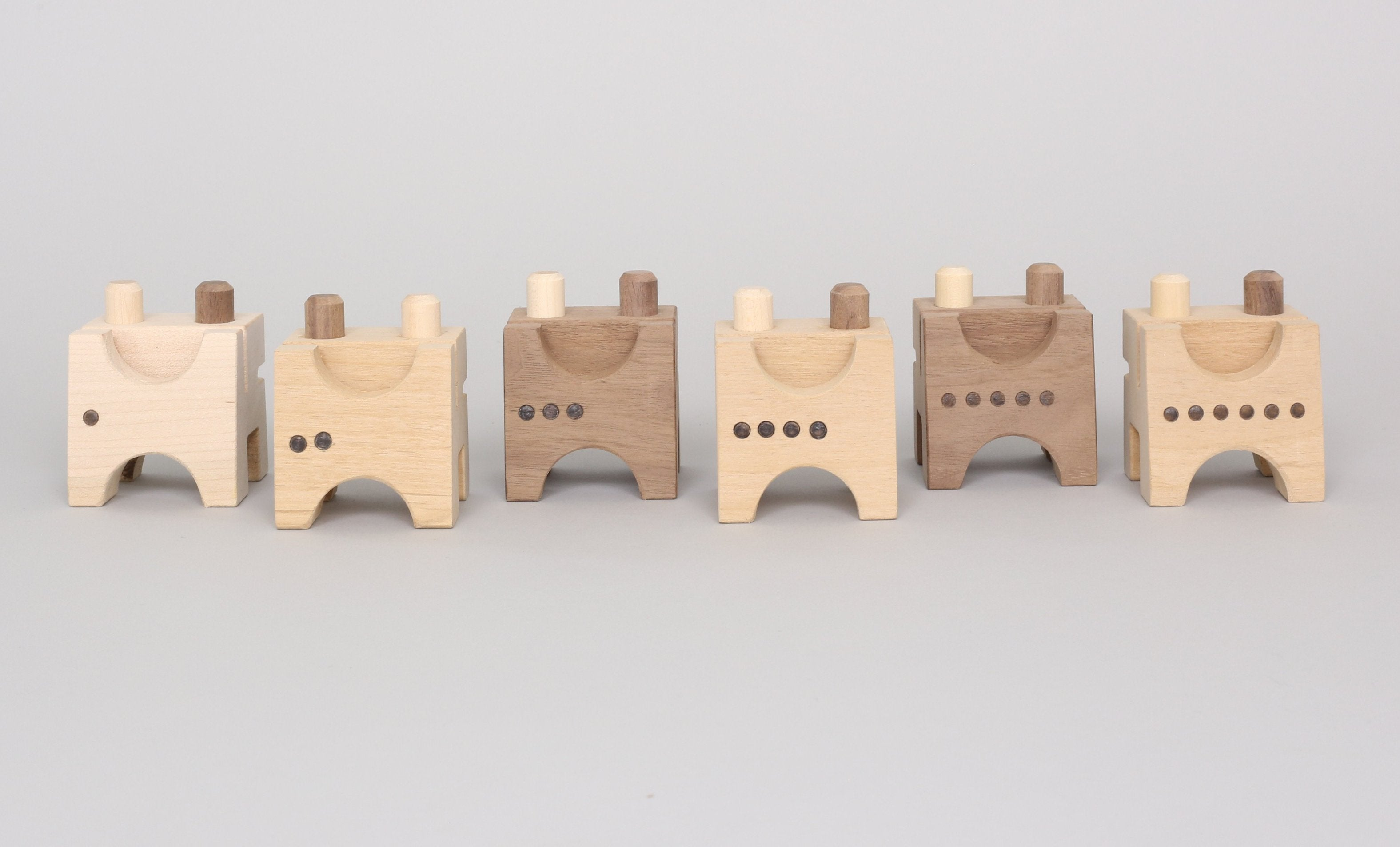 Monroe Workshop Frog Counting Blocks on DLK | designlifekids.com