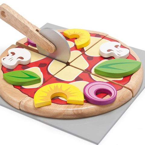 Le Toy Van Wooden Pizza Set on DLK | designlifekids.com