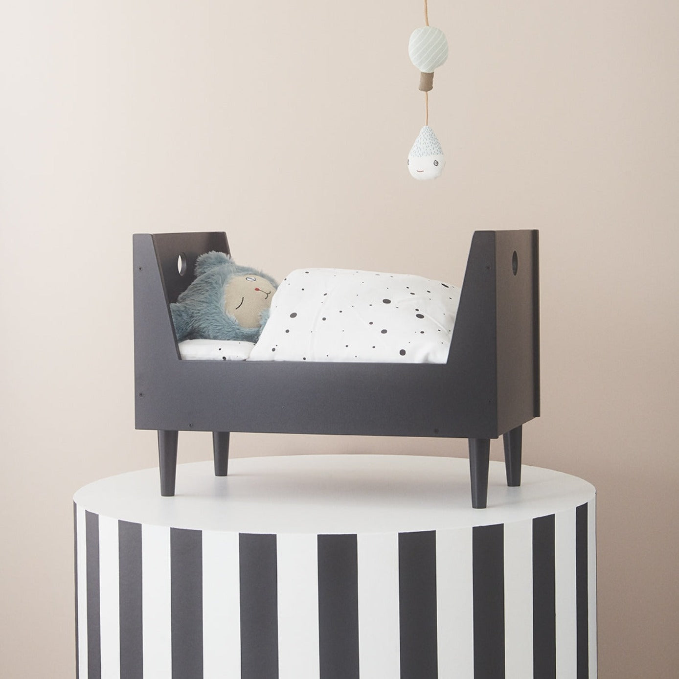 OYOY Living Retro Doll Bed on DLK | designlifekids.com