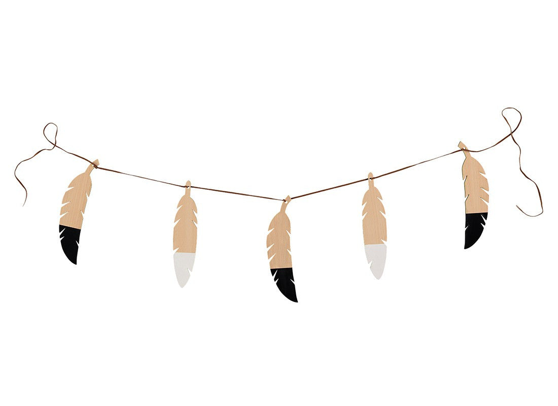 Nobodinoz Wooden Feather Garland on DLK