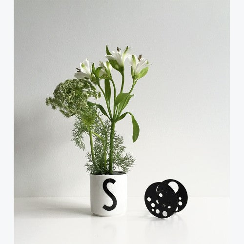 Design Letters Flower Holder on DLK | designlifekids.com