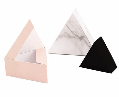 Snug Studio TRIANGLE GIFT BOXES ON DLK