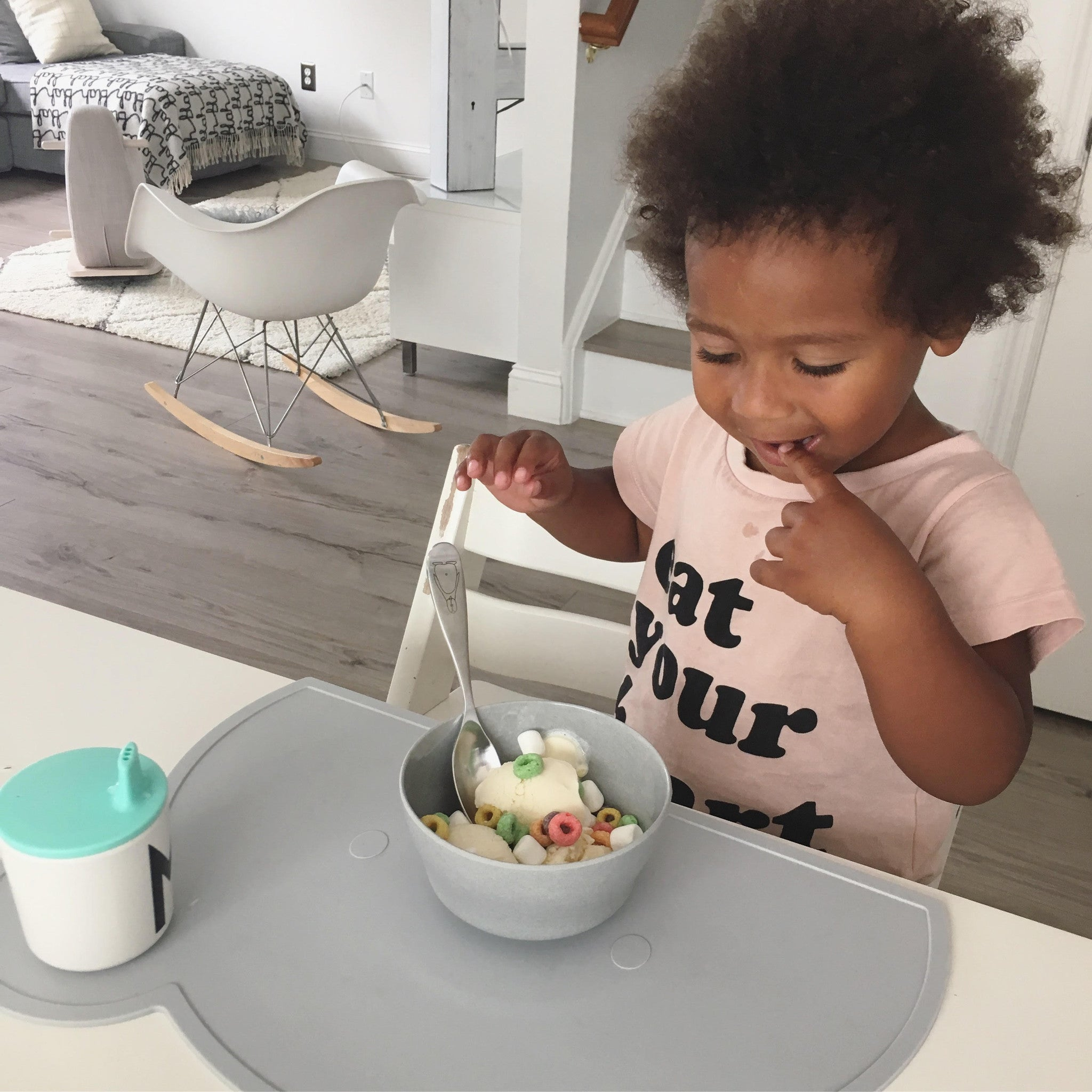 Modern Dishware for Kids on DLK