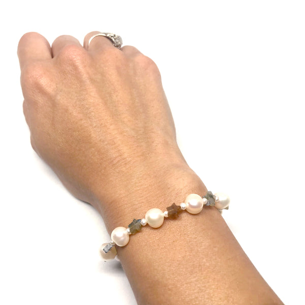 Pearls and Stars Bracelet