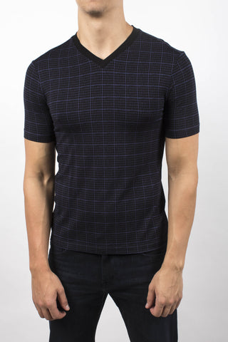 Patterned v-neck t-shirt