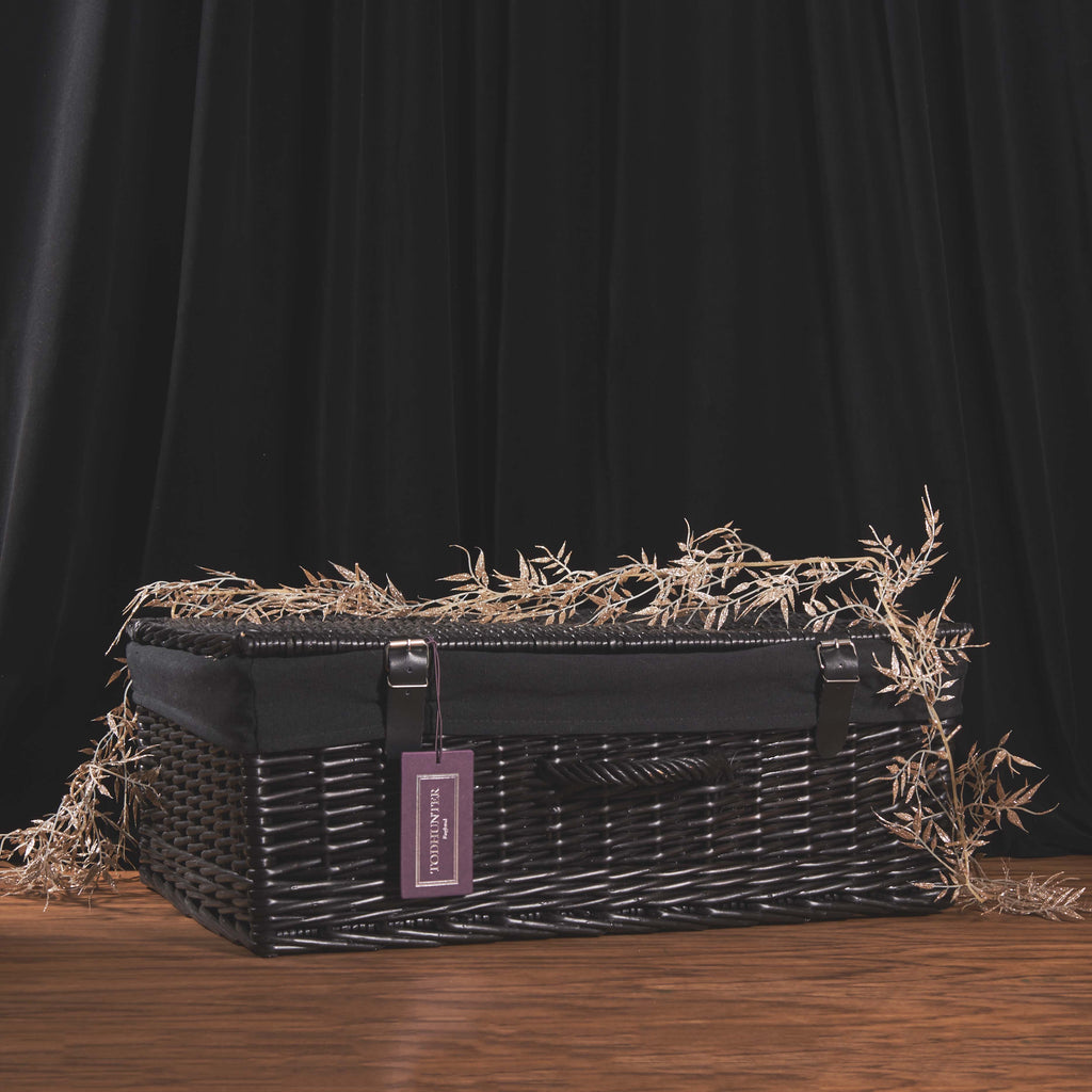 The Oxford Black 4 Person Unfitted Hamper with Liner