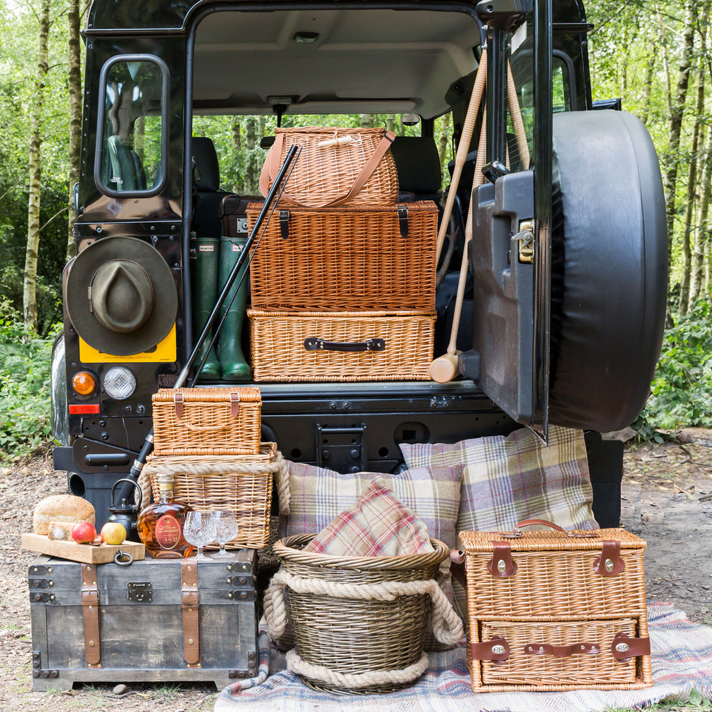 The Cambridge 4 Person 'Deep' Fully Fitted Picnic Hamper