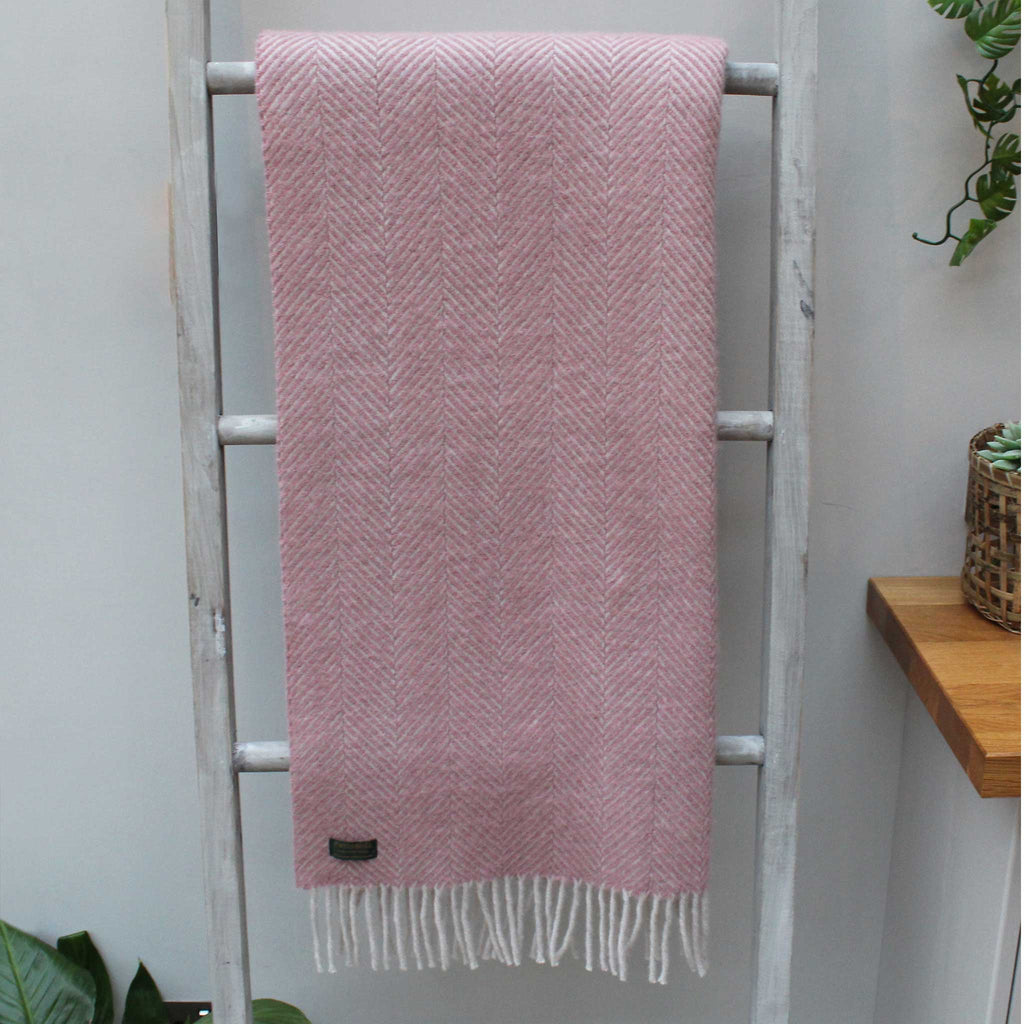 Herringbone Dusky Pink Pearl Throw