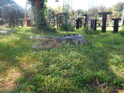 Statue - Life Size 8 Ft American  Realistic Alligator