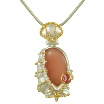 CLUSTER SHELL PENDANT WITH CHAIN