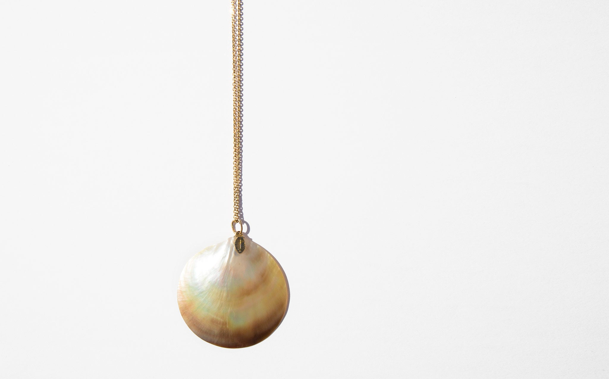 Pearlescent Shell Pendant Necklace