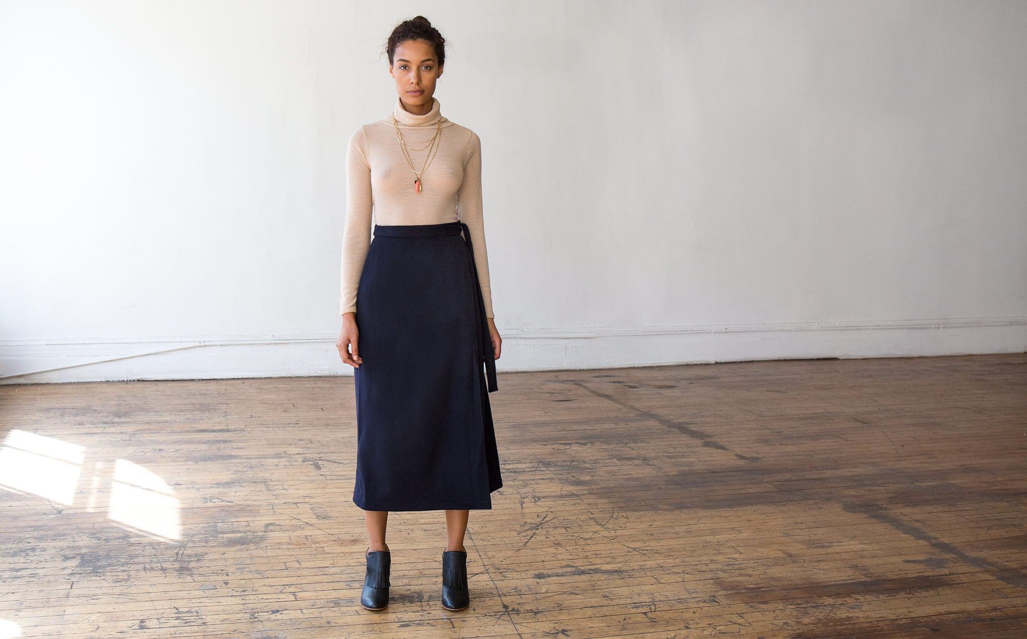 Svilu Wool Wrap Skirt kindred black