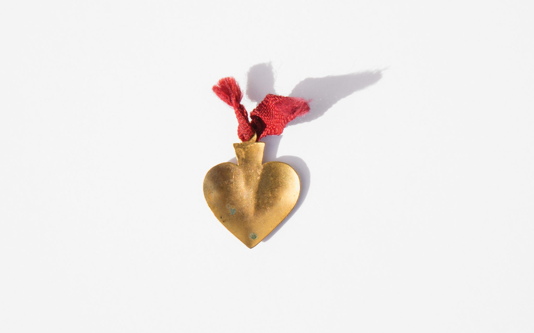 Antique Heart Milagro