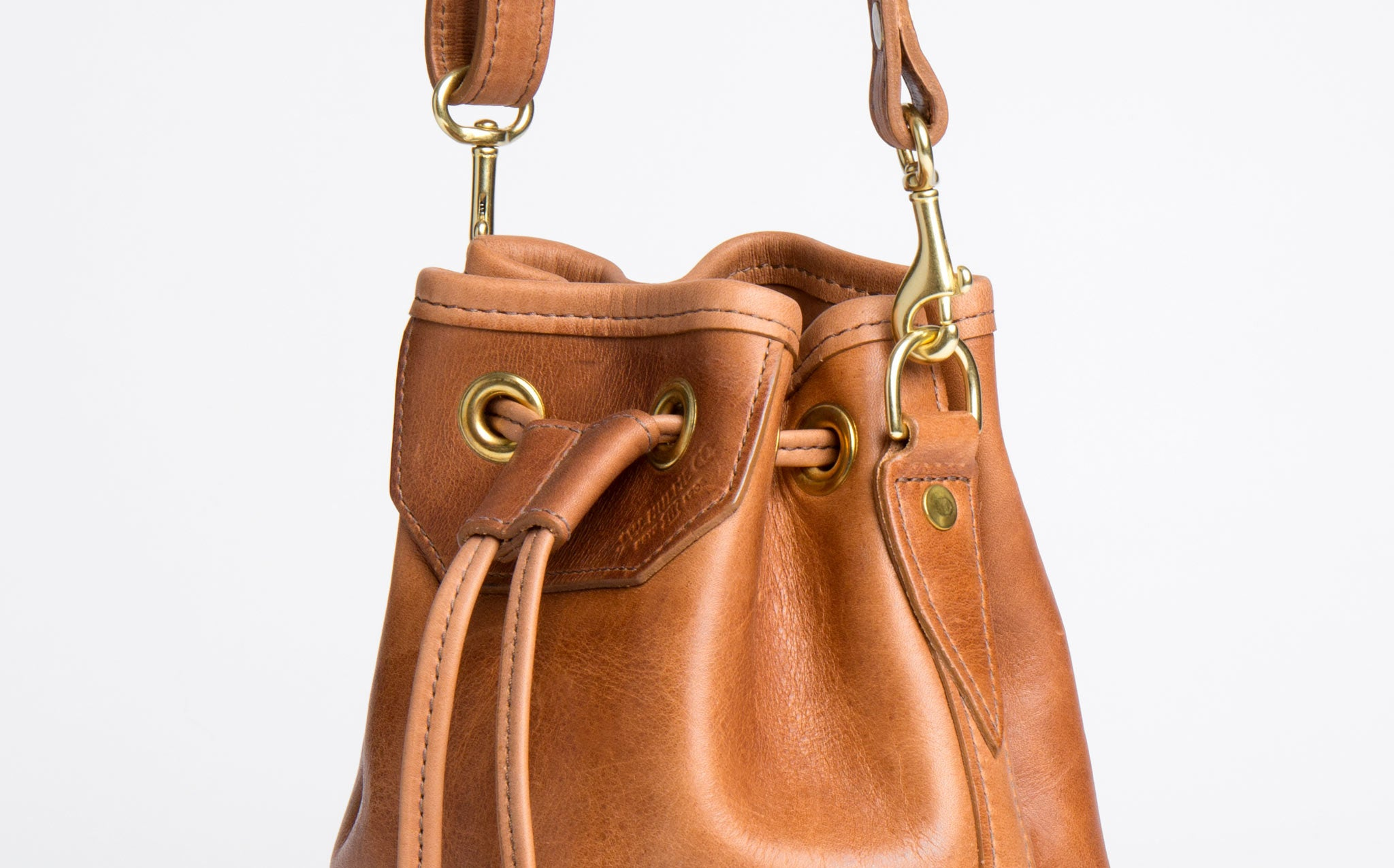 J.W. Hulme Lyndale Small Bucket Bag kindred black