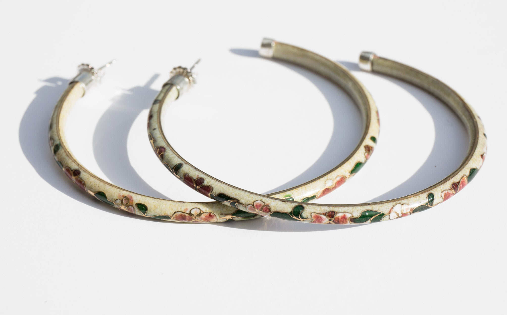 Pearl Falize Hoops