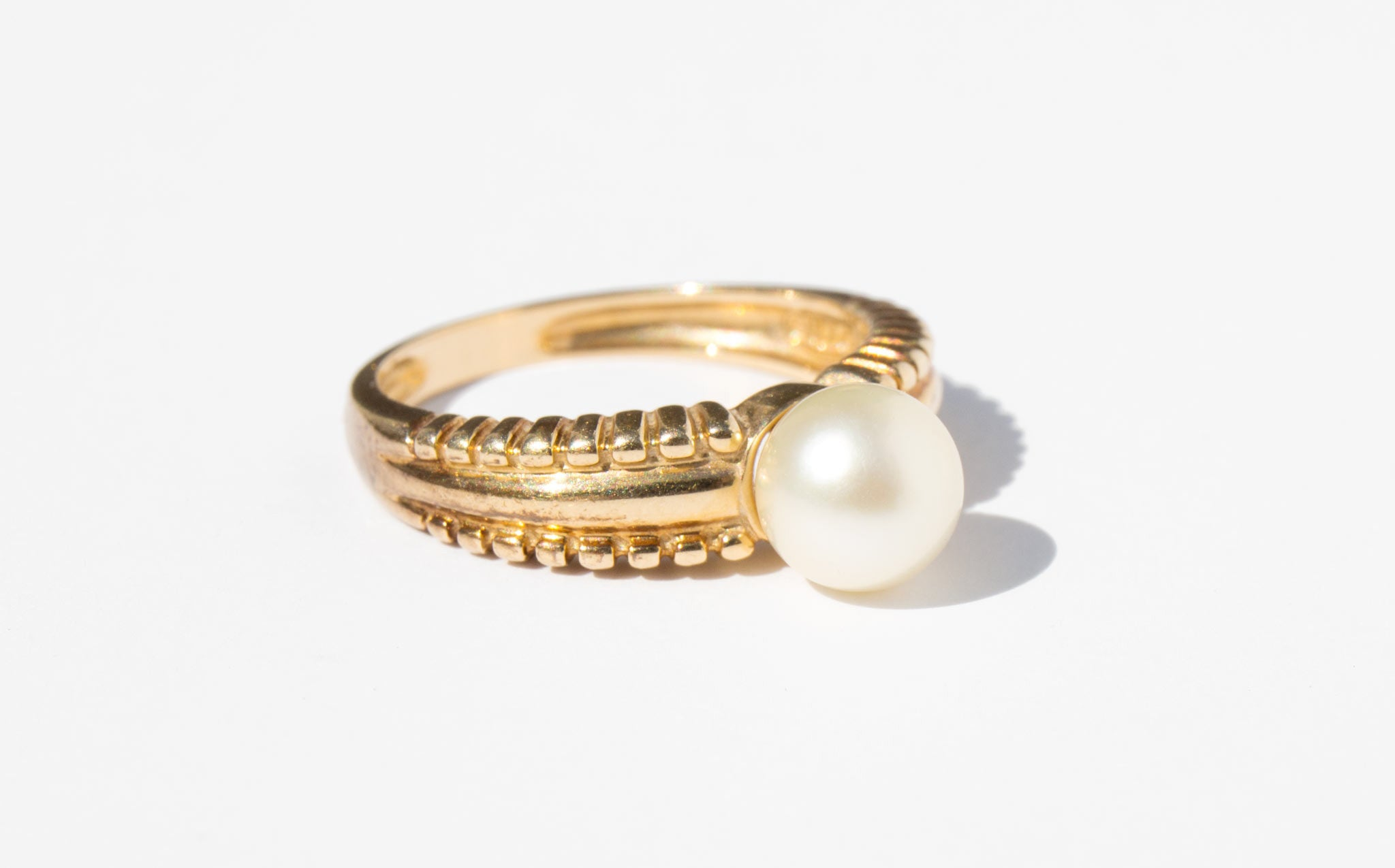 Sculpted 14K Gold Ring With Pearl