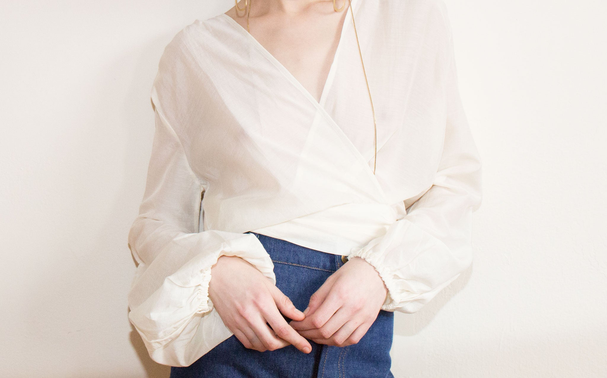 Awaveawake Orchid White Two Tie Blouse kindred black