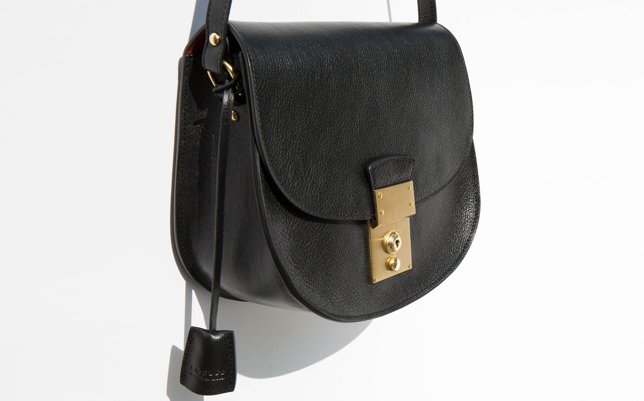 Lotuff Arc Shoulder Bag kindred black