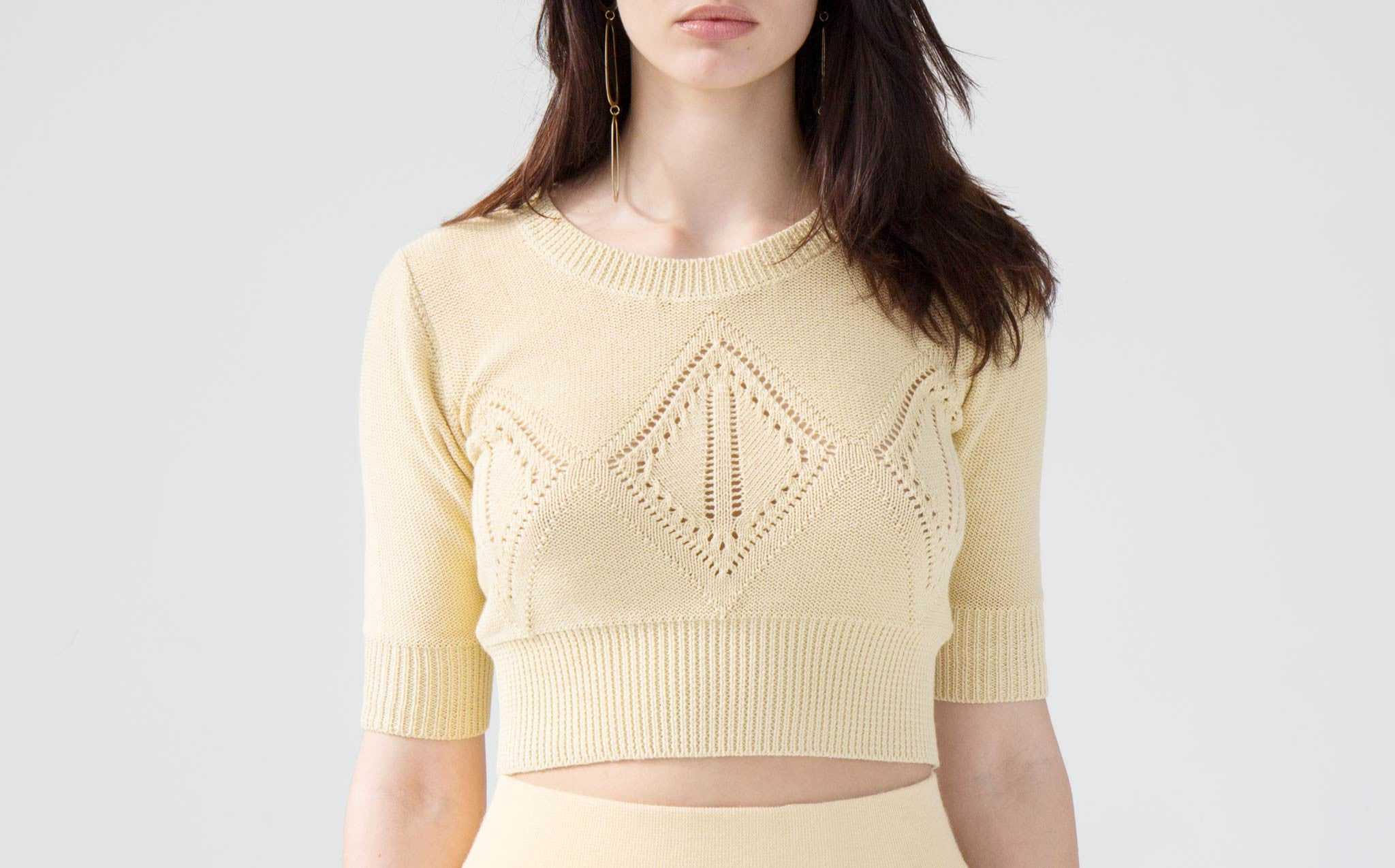 Hesperios Edie Straw Yellow Crop Top