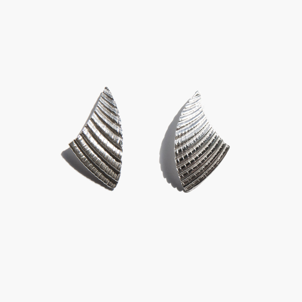 Another Feather Silver Shell Earrings