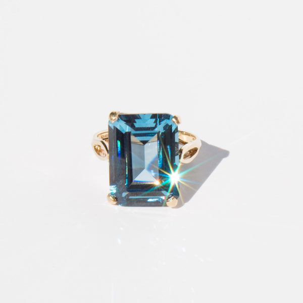 18K and Crystal Cocktail Ring
