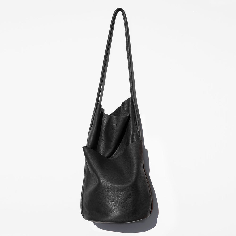 Are Studio Onyx Buoy Tote Bag kindred black