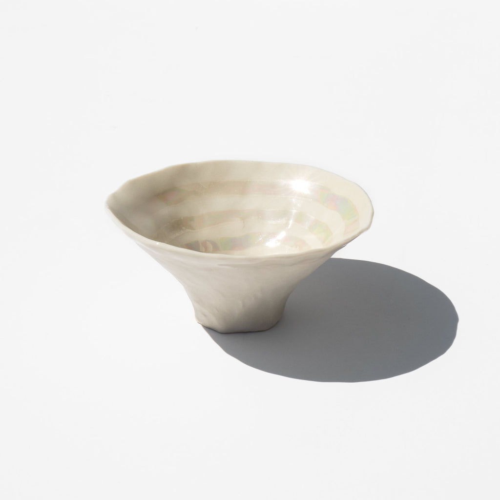 Isabel Halley Mother of Pearl Pinch Pot