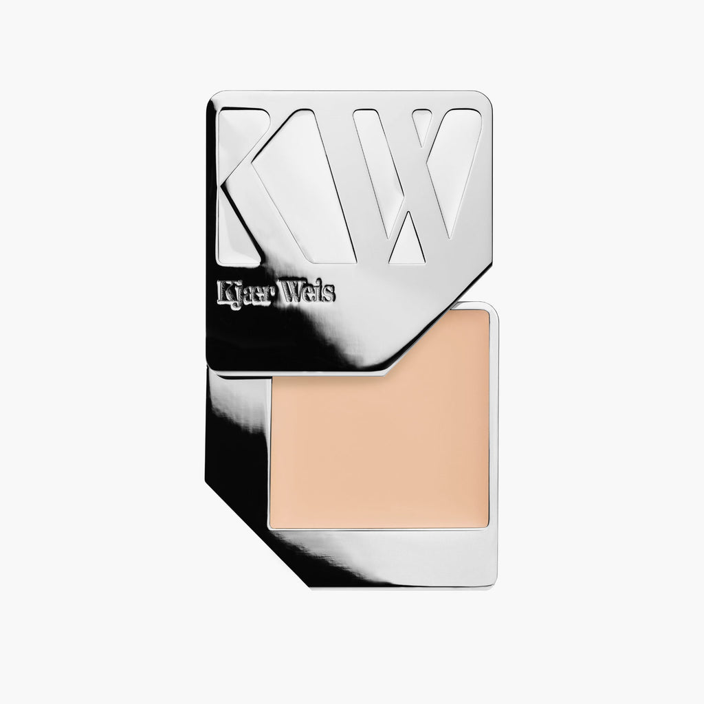 Kjaer Weis Lightness Foundation