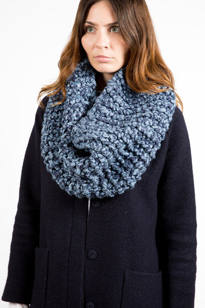 TARLEE Sustainable Made in Scotland Wool light blue navy XL Snood