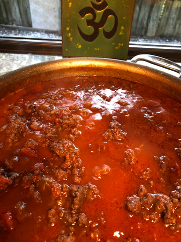 Ragu Simmers on Low