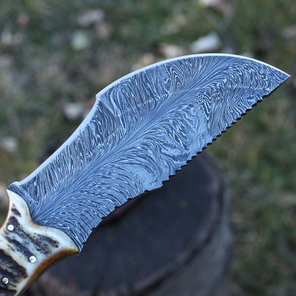 GINA Handmade Damascus Tracker, Feather Pattern Blade with Stag Horn and Micarta