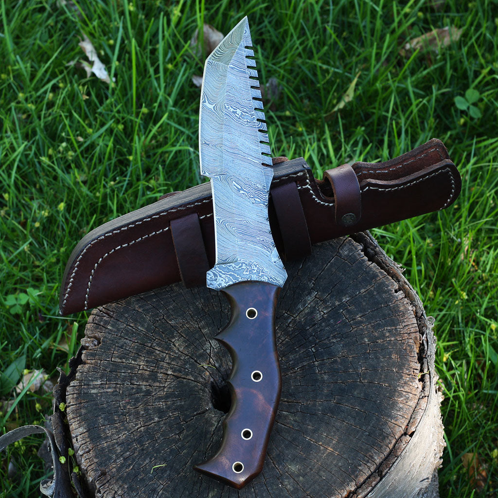 PATTY Handmade Damascus steel hunting tracker knife with rosewood handle