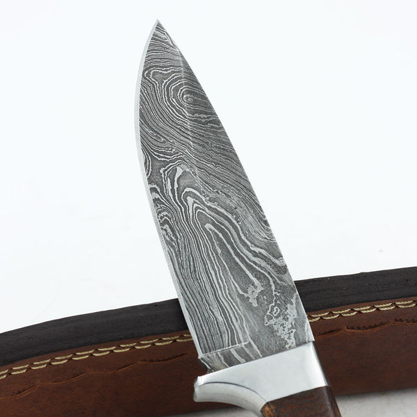 SANDRA Handmade Damascus steel hunting knife with walnut wood and micarta
