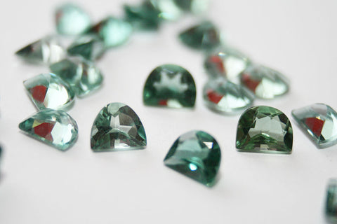 Prasiolite Or Green Quartz Meanings And Properties