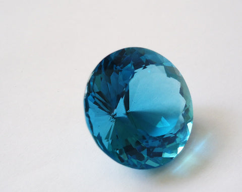 Pisces Birthstones: Gemstones for People Born in March