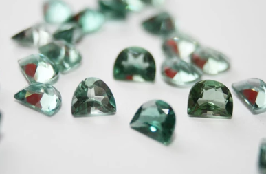 Green amethyst powers, selection of stones